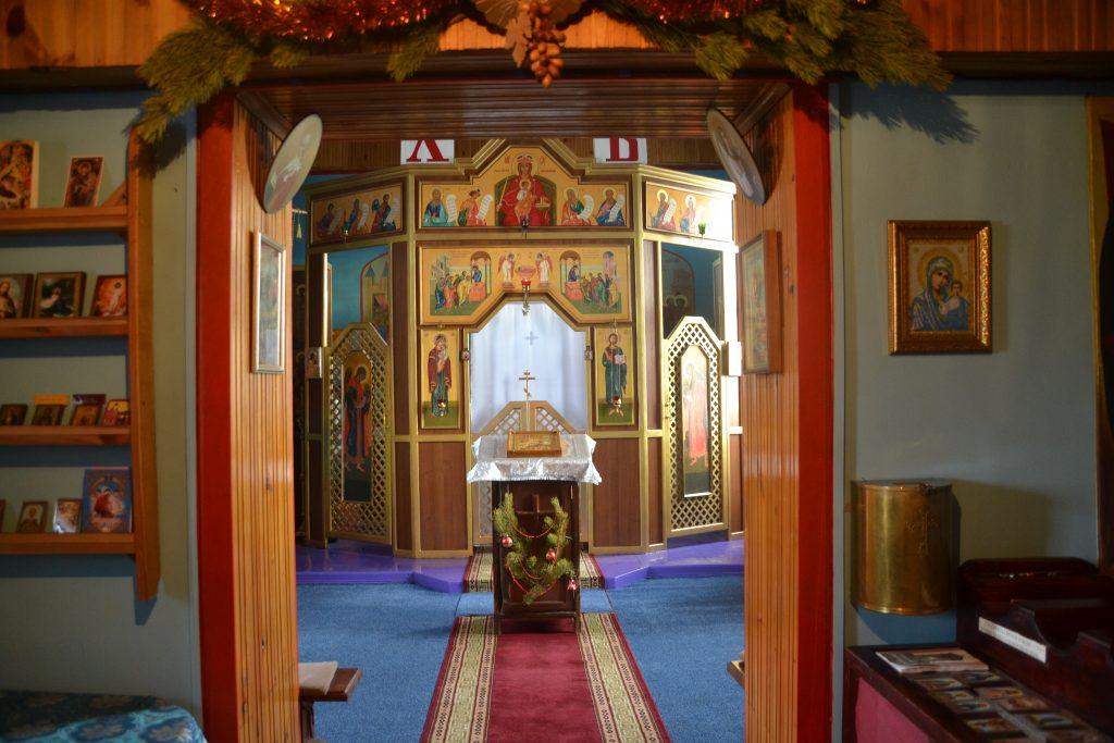 Interior iglesia Khuzhir