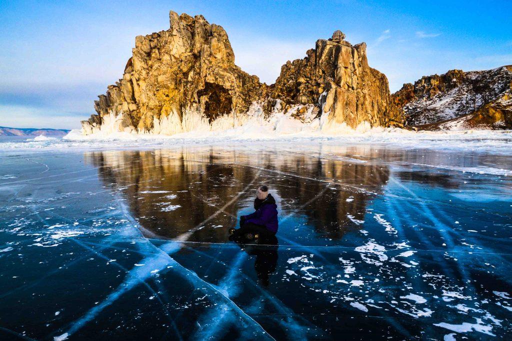 Shamanka rock. Lago Baikal