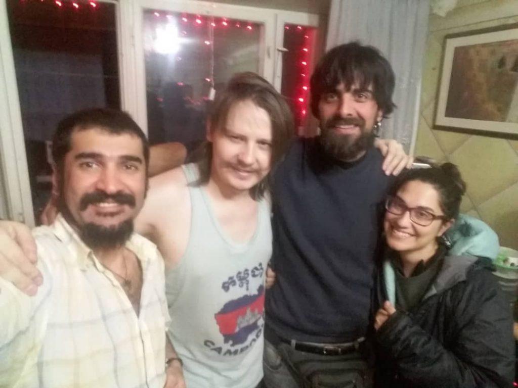 Con nuestros amigos de couchsurfing en Tashkent
