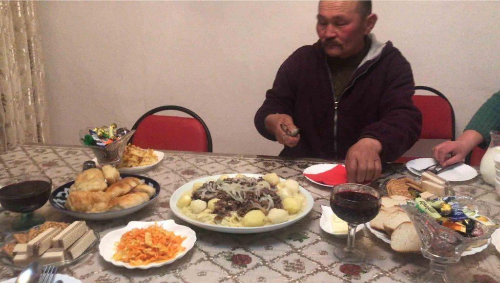 Cena en el homestay de Saty