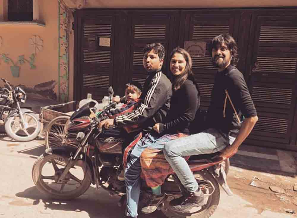 Viajando en moto en Delhi