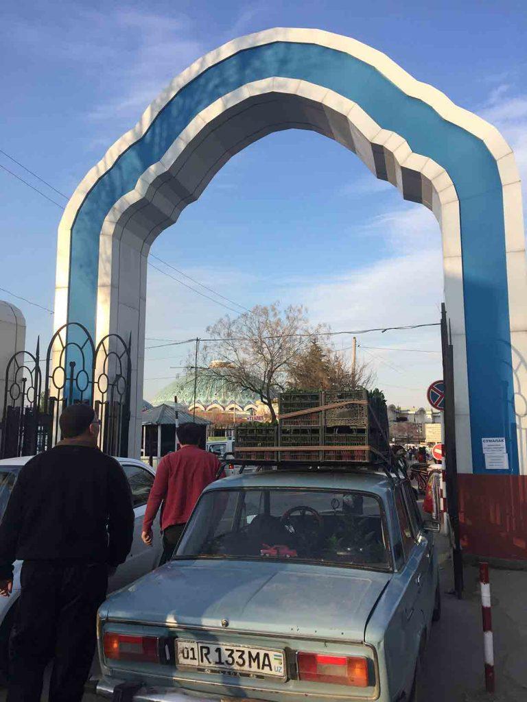 Entrada al bazar Chorsu