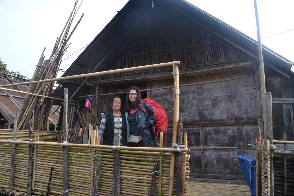 Casa tradicional Apatani donde nos quedamos con la familia