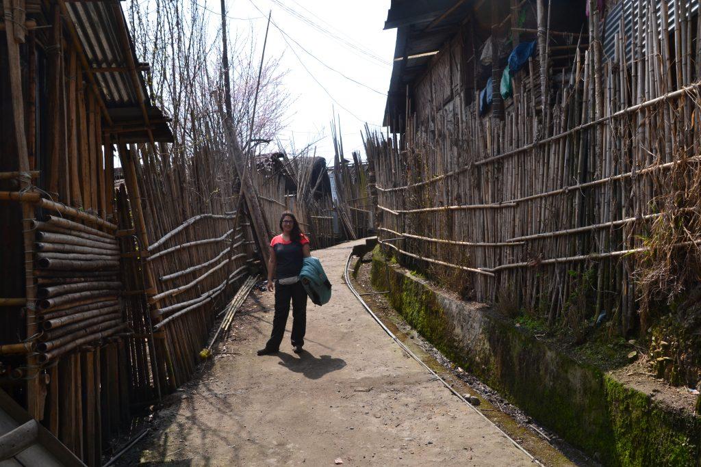 Calles de la aldea apatani Hong