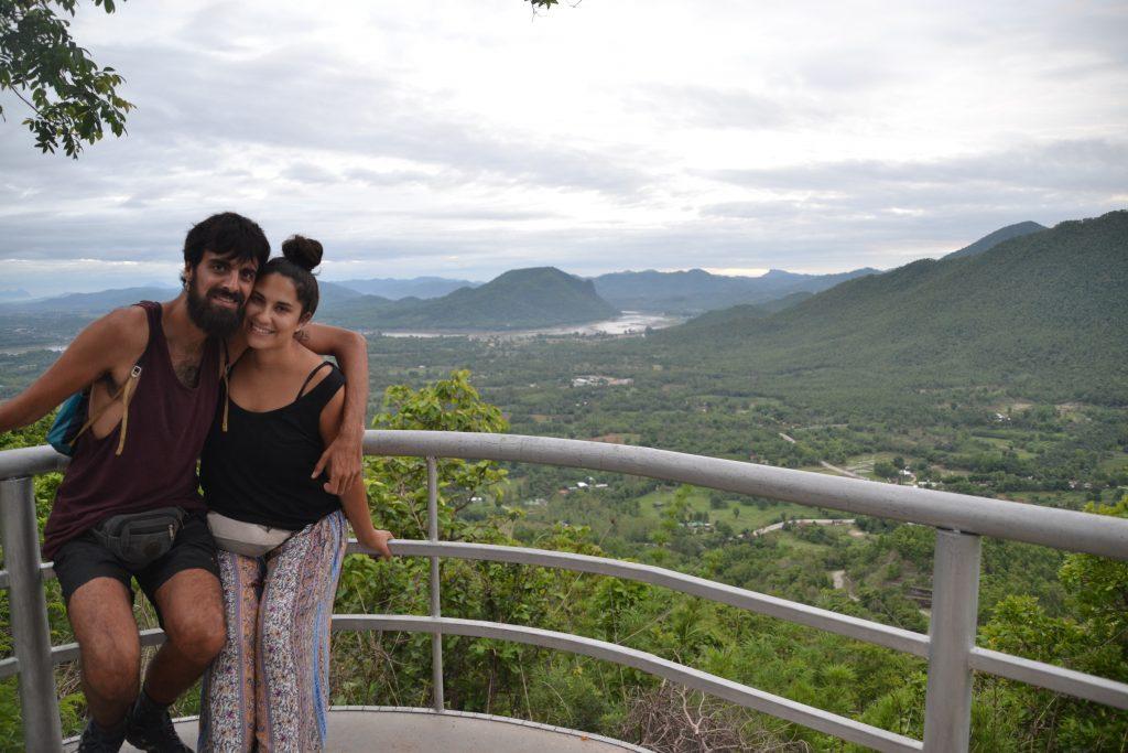 Vistas desde el mirado en la cima de Phu Tok
