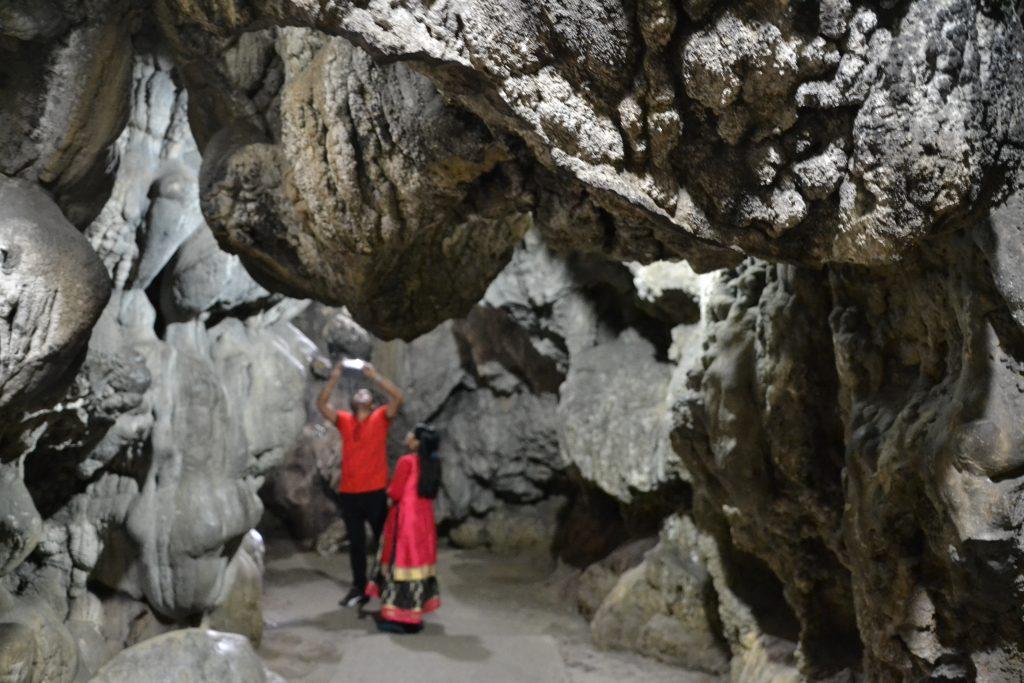 Interior cueva Mawsmai