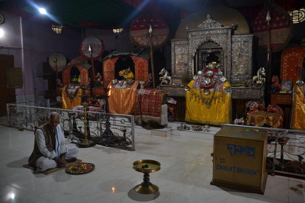 Interior de una Satra. La más ostentosa que vimos. No suelen tener lujos en su interior