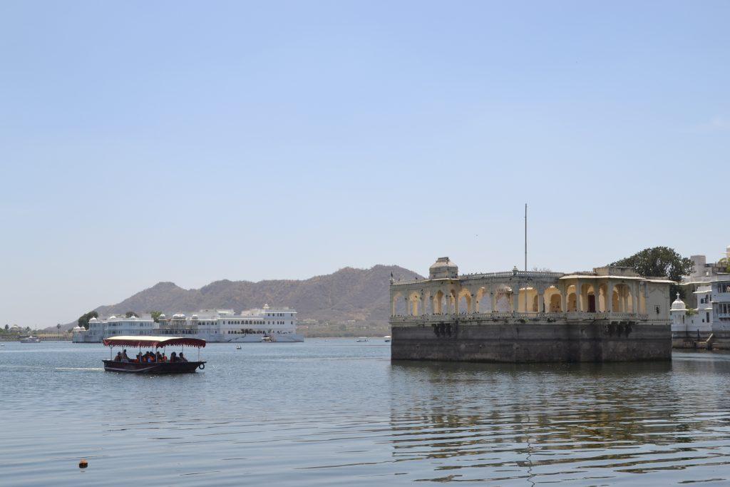 Crucero por el lago Pichola