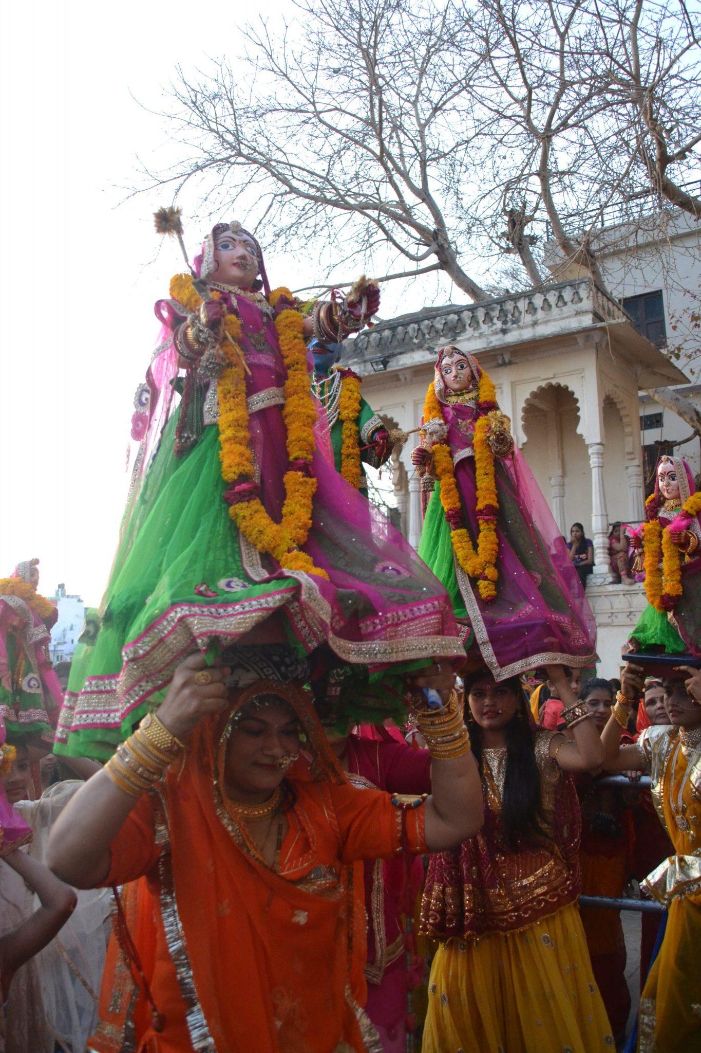 Desfile del Mewar Festival en Udaipur