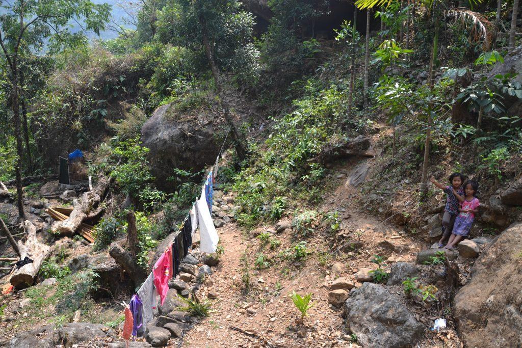 Aldea Khasi en Nongriat en lo alto de la montaña