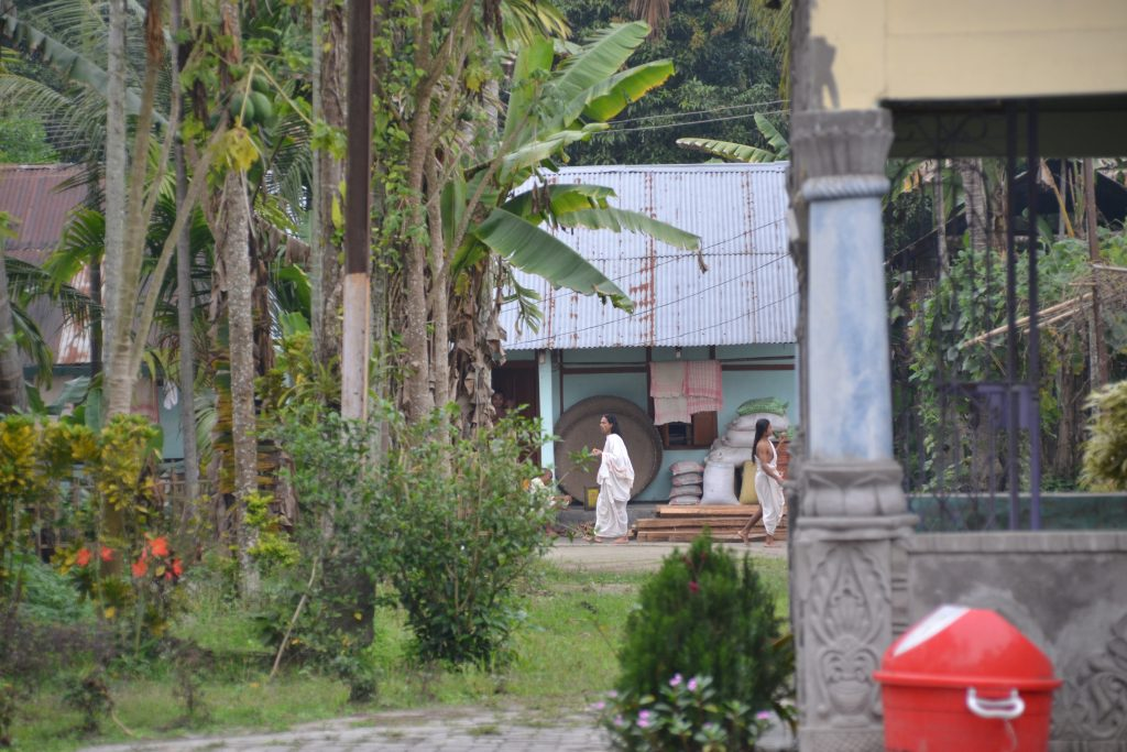Monjes que viven en la Satras