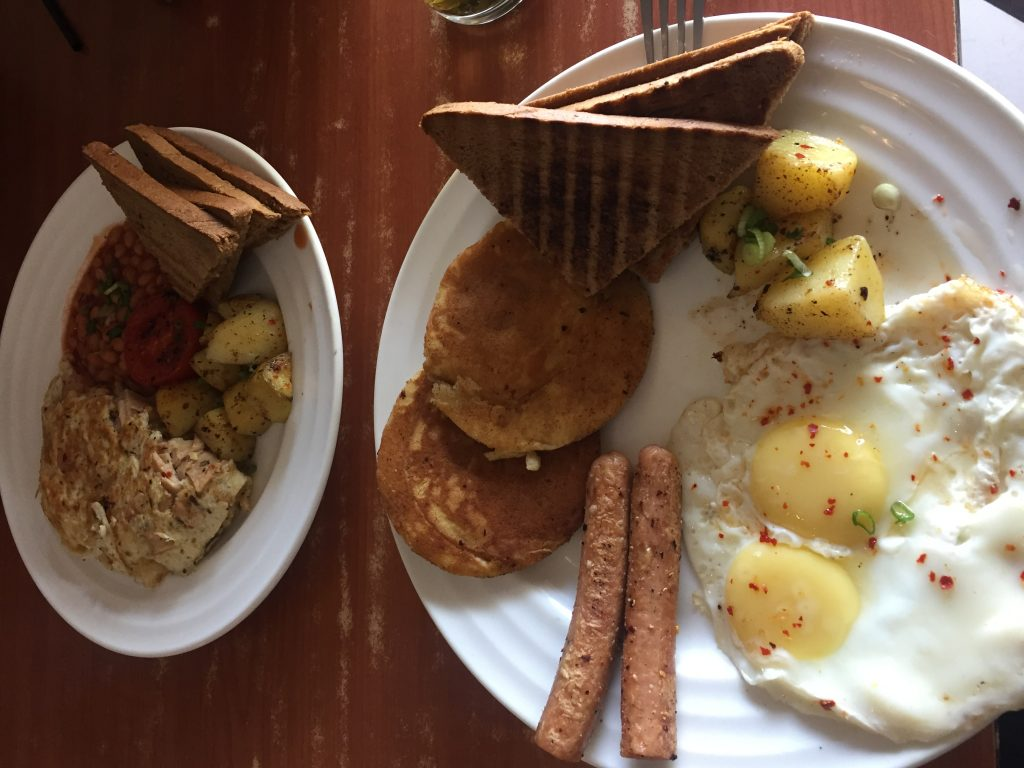 Desayuno continental después de varias semanas a base de curry